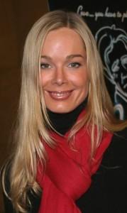 Jennifer Gareis-SGS-013488