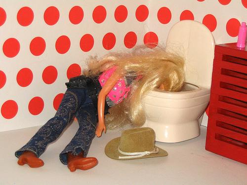barbie vomito