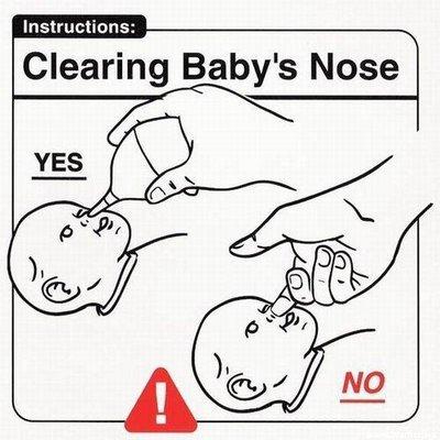 togliere le caccole dal naso ad un neonato