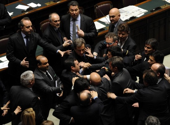 Il portinaio tutti piu felici for I parlamentari italiani