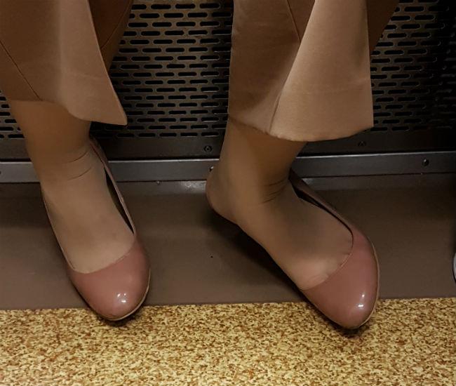 giapponesi in metro